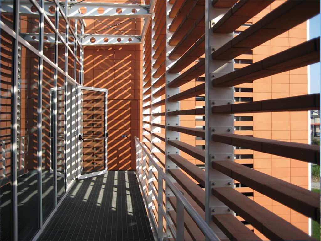 Rivestimento In Legno Per Facciate : Rivestimenti in legno composito wpc e rivestimenti da esterni in