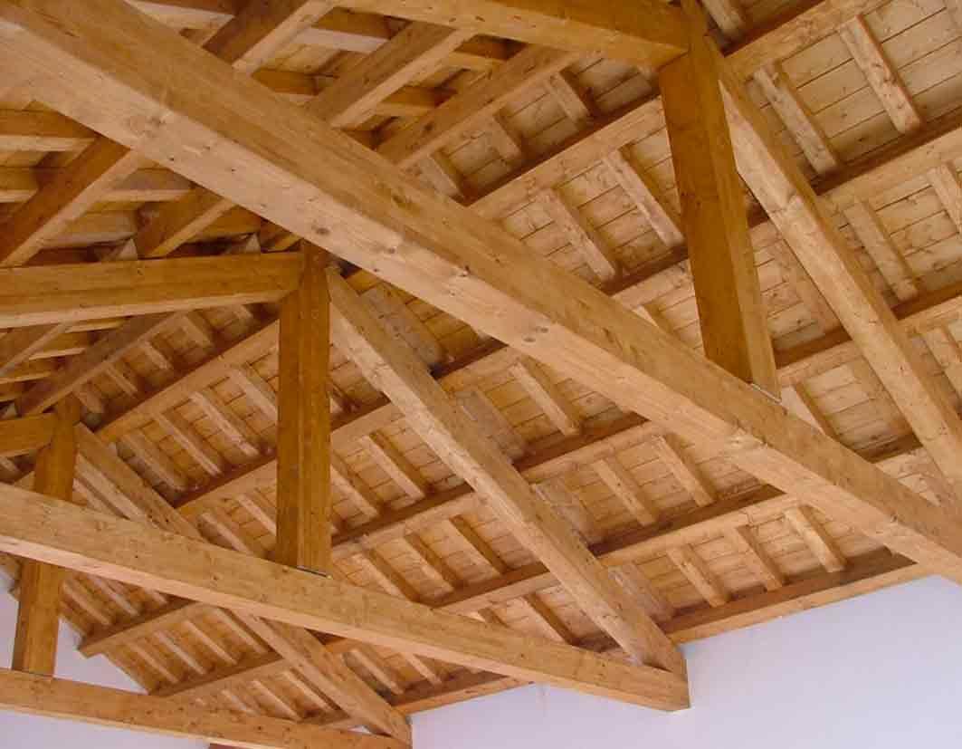 tetto-in-legno-lamellare