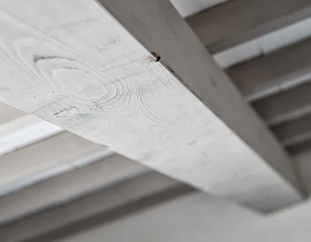 trattamento-travi-per-tetti-in-legno