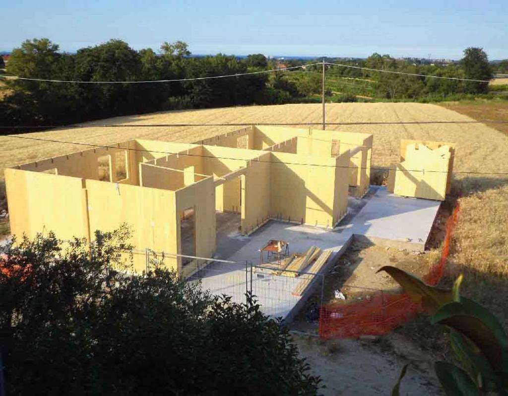 Pareti xlam per case prefabbricate in legno la legnami - Agevolazioni costruzione prima casa 2017 ...