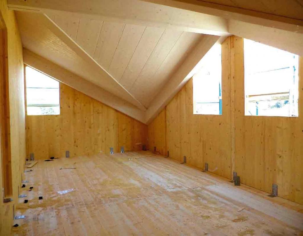 Pareti xlam per case prefabbricate in legno la legnami for Case legno xlam